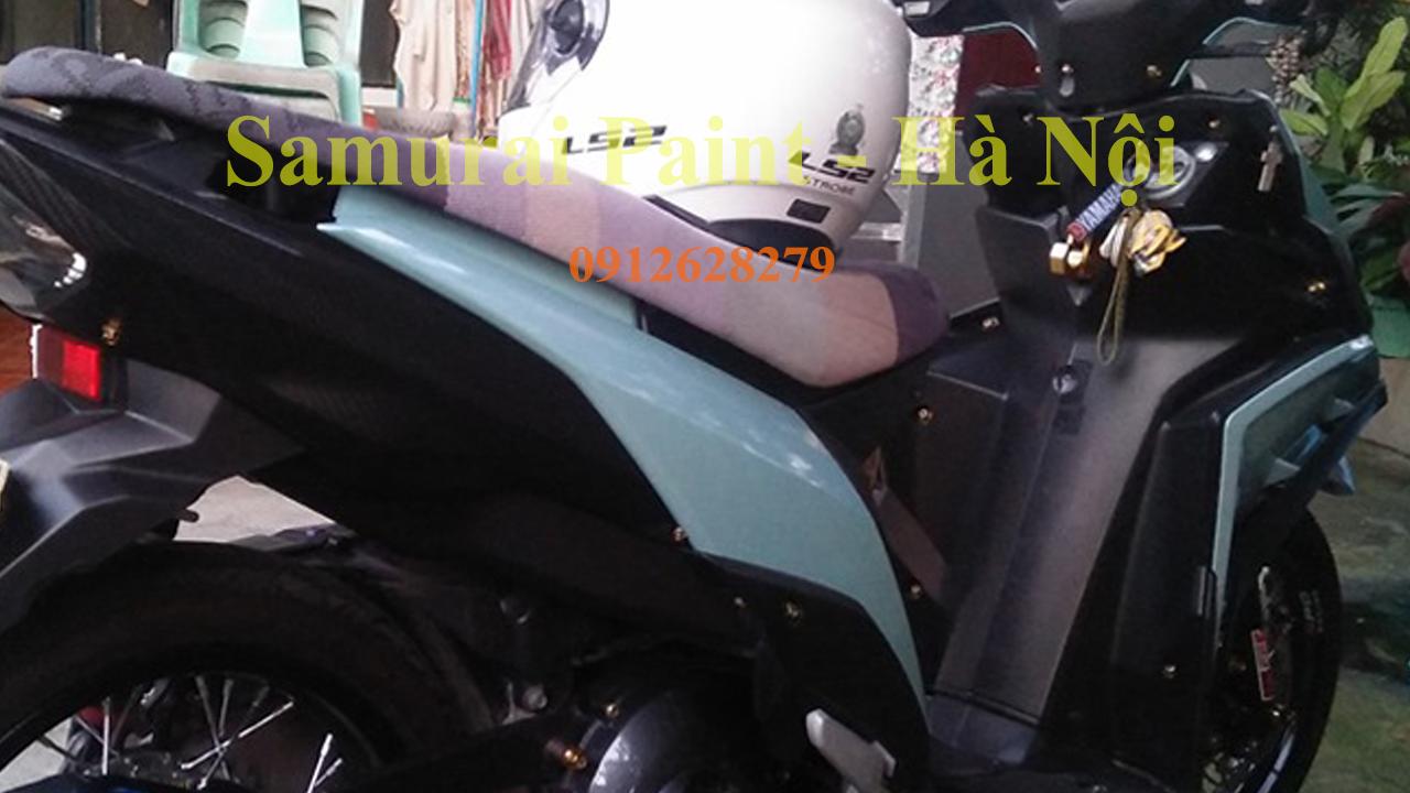 Dàn áo xe máy được sơn bằng sơn Samurai với màu xanh xi măng cực chất